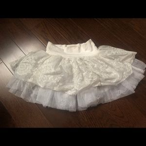 Persnickety Lace Skirt Size 4